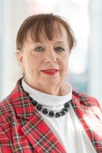 Porträt Frau Langenbucher